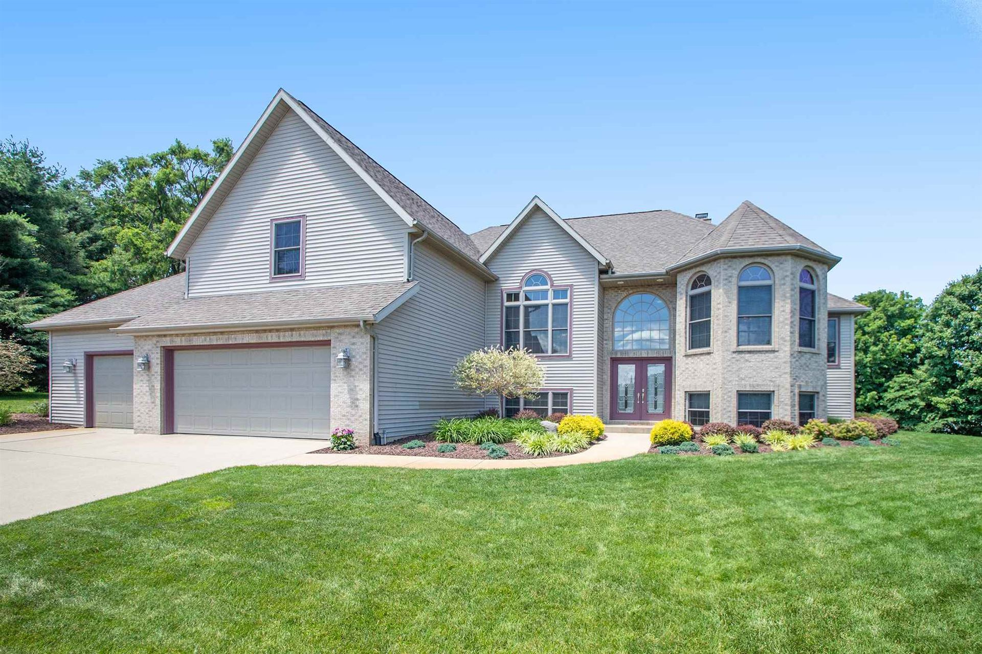 32945 Barn Owl Court, New Carlisle, IN 46552 - #: 202024322
