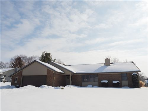 Photo of 204 Colonial Drive, Warsaw, IN 46582 (MLS # 202105345)