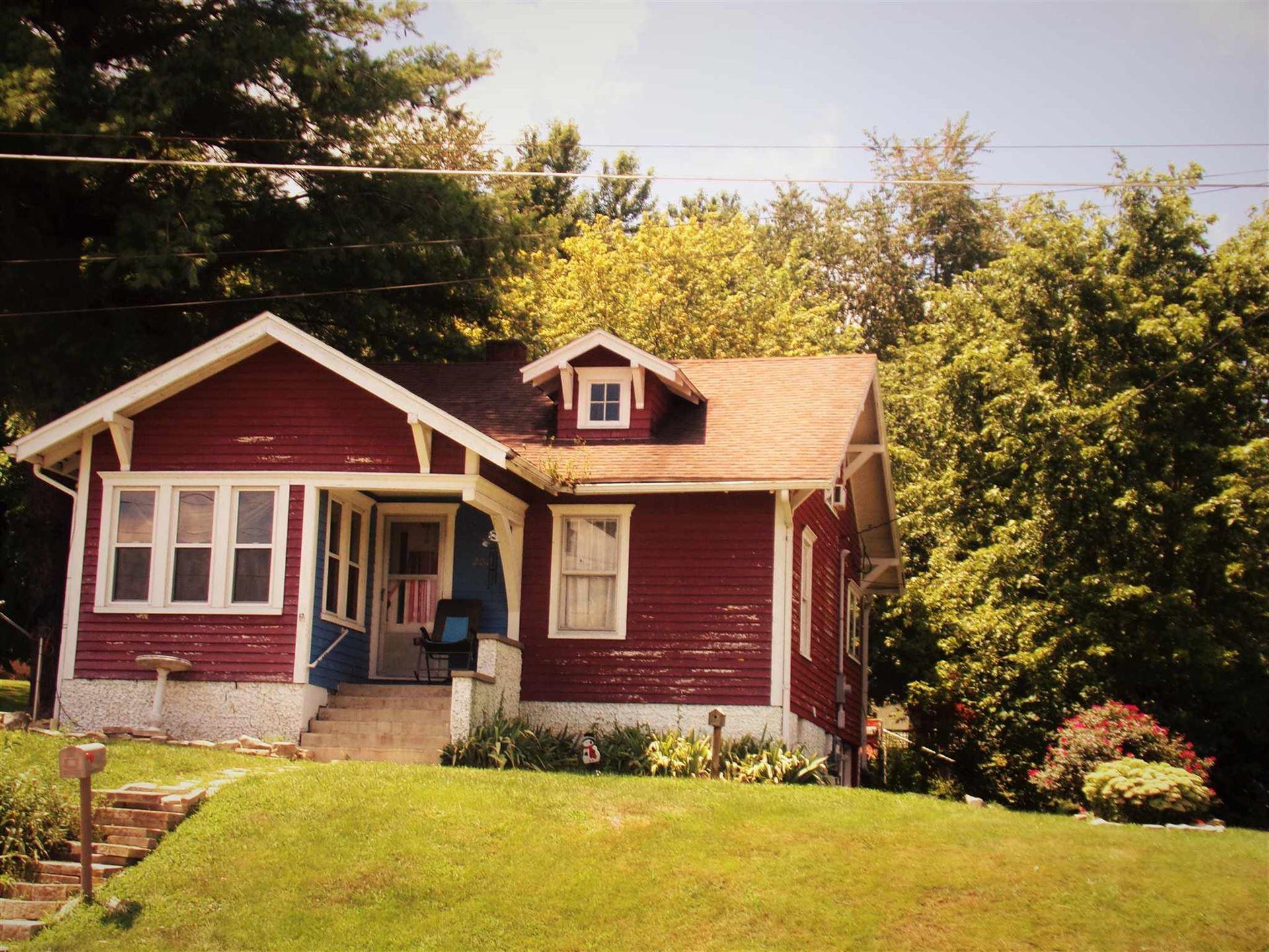 202 N Posey Street, Salem, IN 47167 - #: 202031346