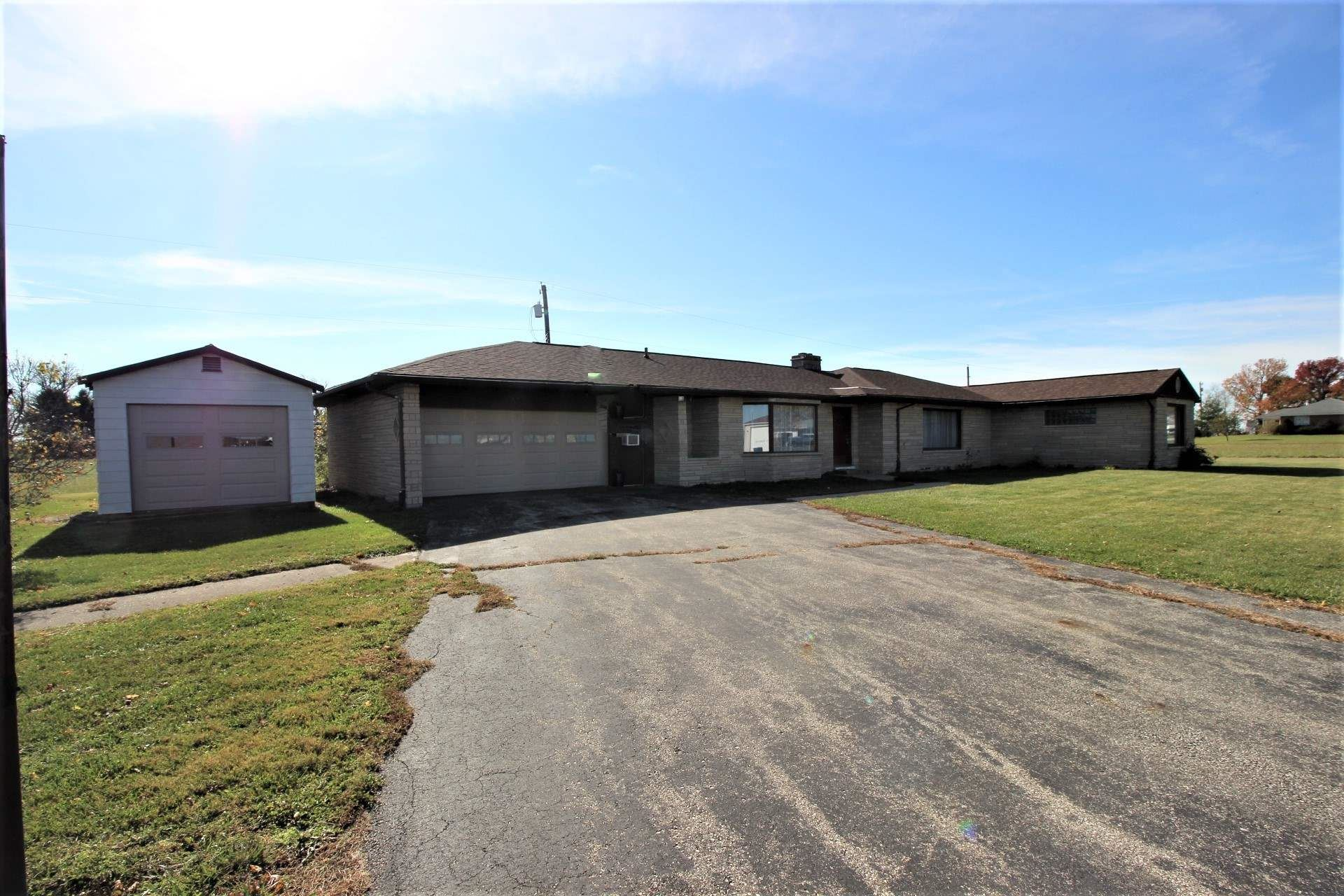 302 E South Street, Boswell, IN 47921 - #: 202044363
