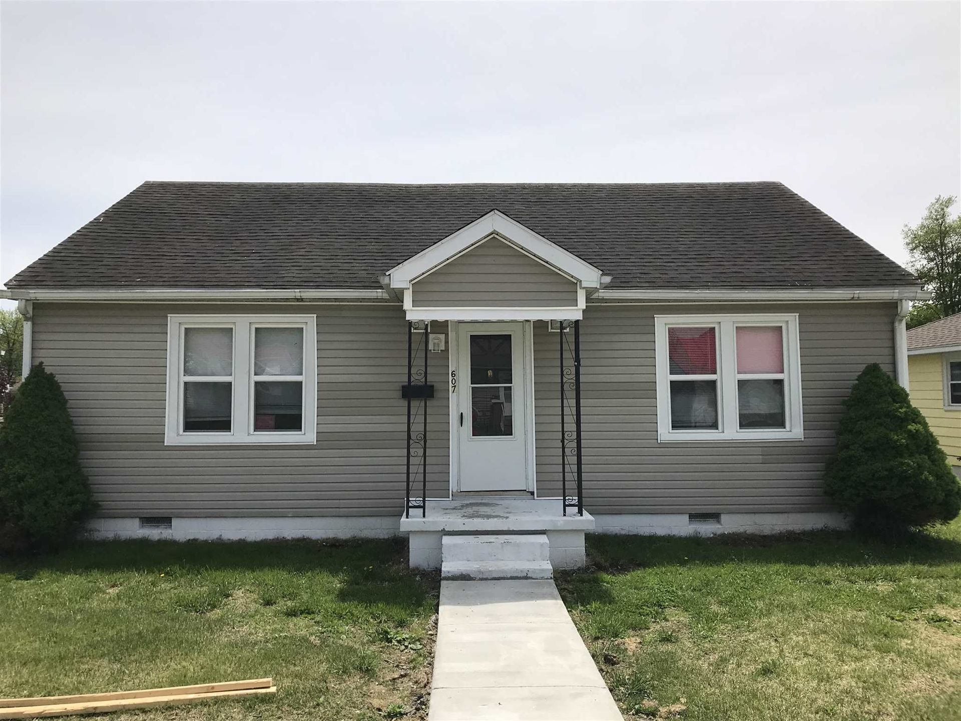 607 E Cherry Street, Boonville, IN 47601 - #: 202019370