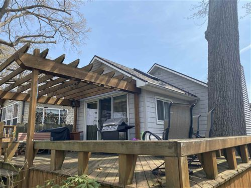 Photo of 1712 Mitchell Drive, Rochester, IN 46975 (MLS # 202114373)