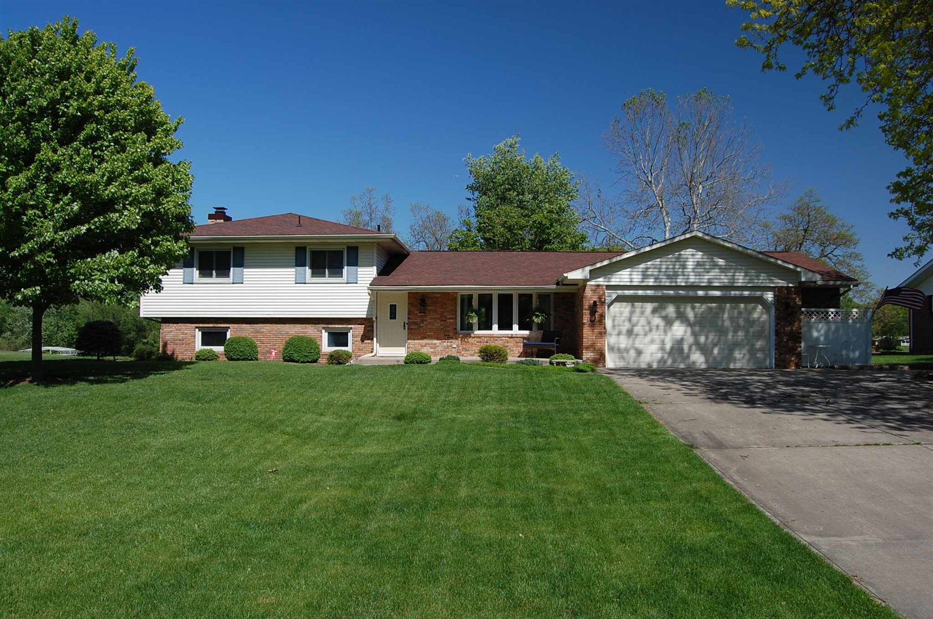 55906 Channel View Drive, Elkhart, IN 46516 - #: 201946374