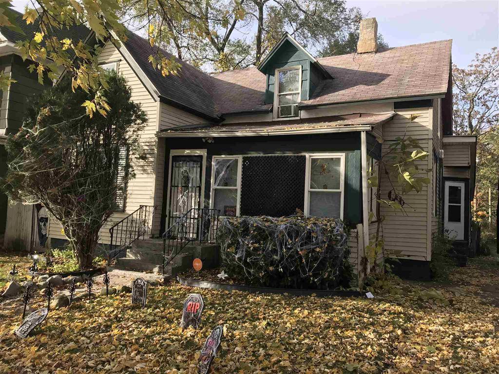 524 W Marion Street, Elkhart, IN 46516 - #: 201948380