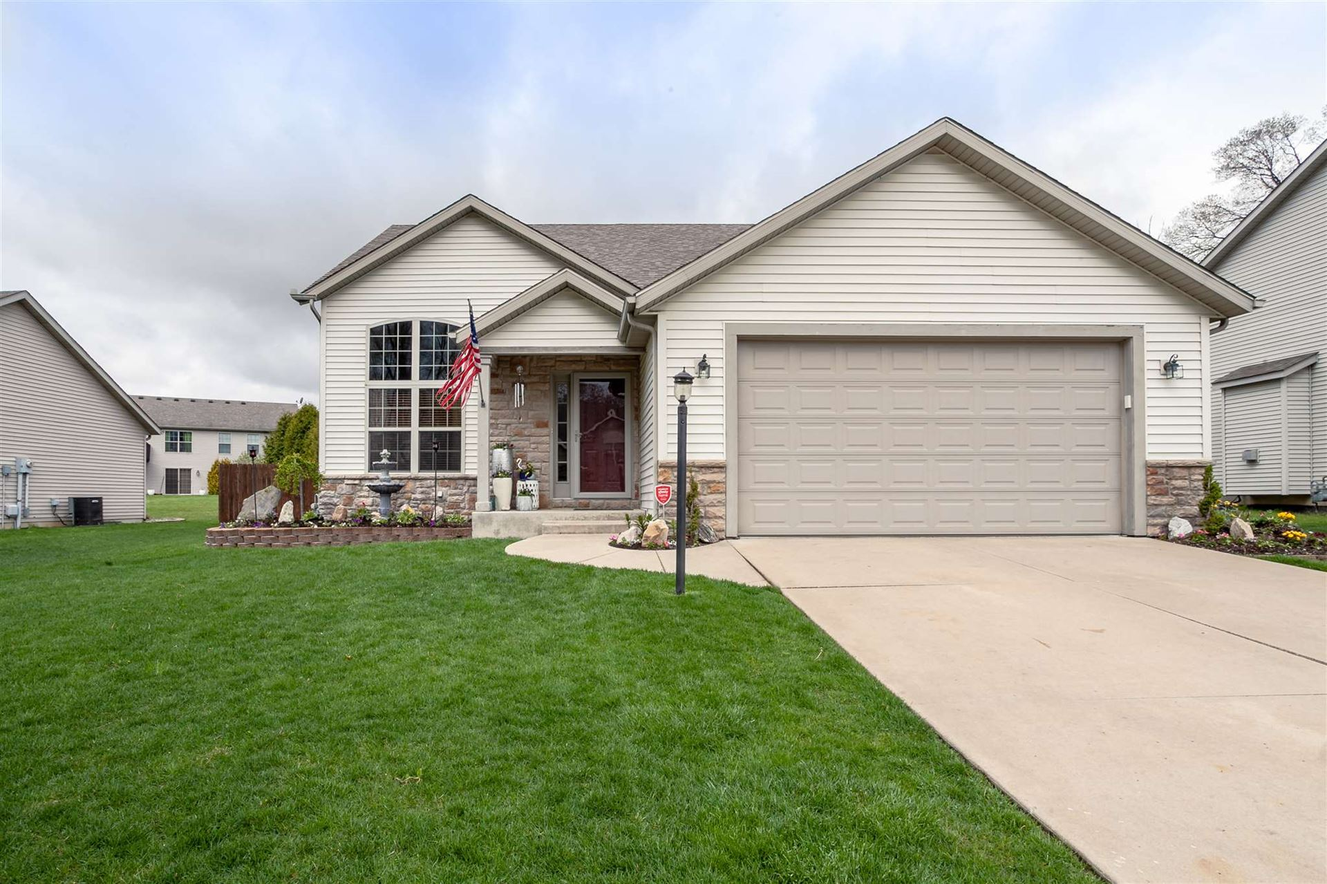 53181 Grassy Knoll Drive, South Bend, IN 46628 - #: 202010397