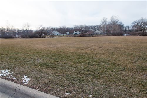 Photo of TBD Lot 8 Edgewater Drive, Warsaw, IN 46580 (MLS # 202102398)