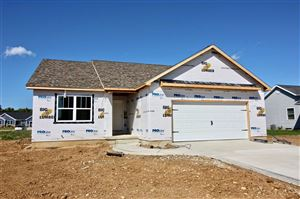 Photo of 4364 E Magill Court, Syracuse, IN 46567 (MLS # 201936406)