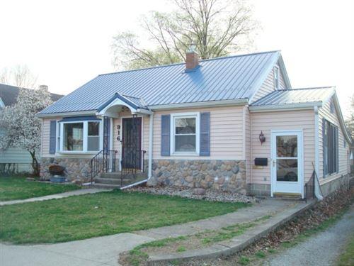 Photo of 916 S Fulton Avenue, Rochester, IN 46975 (MLS # 202111430)