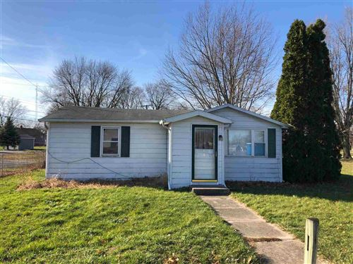 Photo of 1304 Ewing Road, Rochester, IN 46975 (MLS # 202100431)