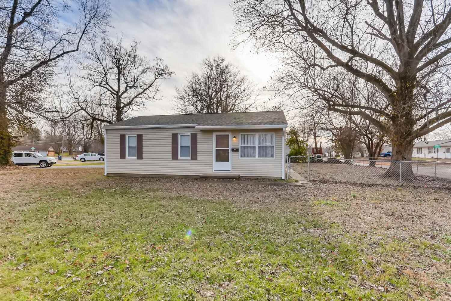 3001 S Rotherwood Avenue, Evansville, IN 47714 - #: 202100435