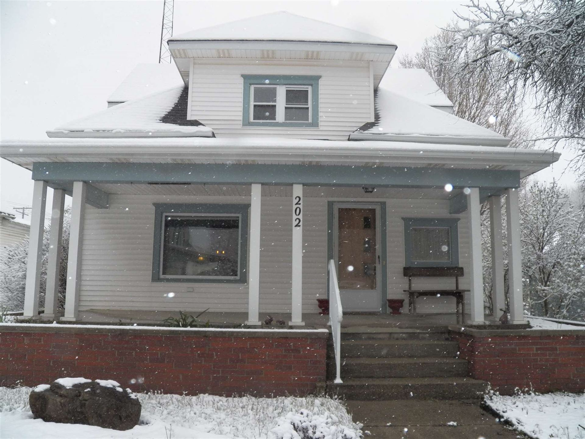 202 E Berry Street, Middlebury, IN 46540 - #: 202013437