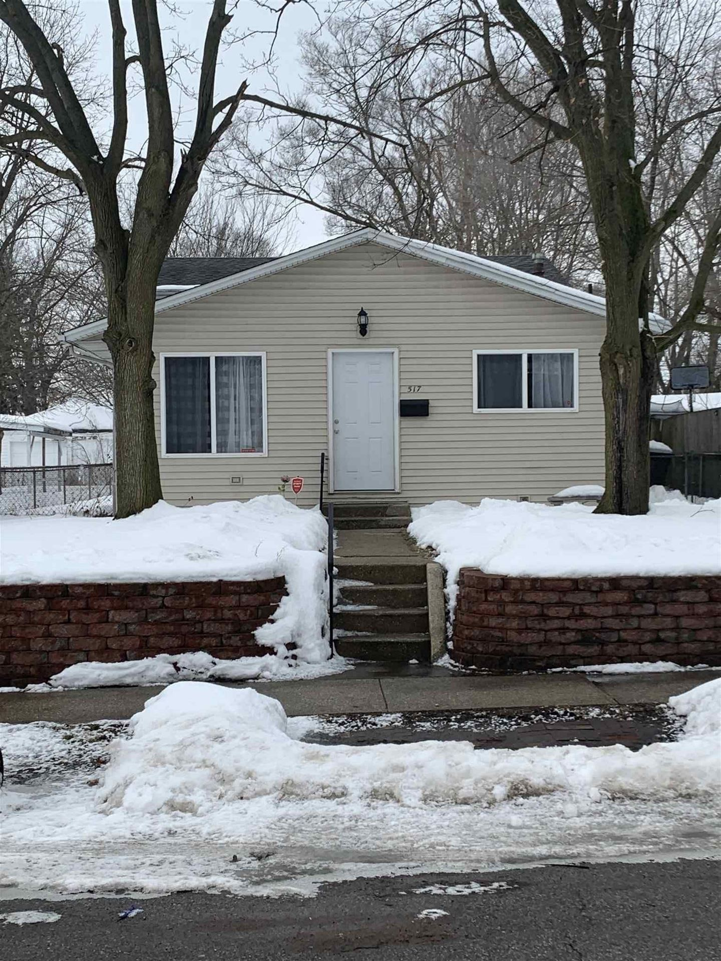 517 S 28th Street, South Bend, IN 46615 - #: 202105455