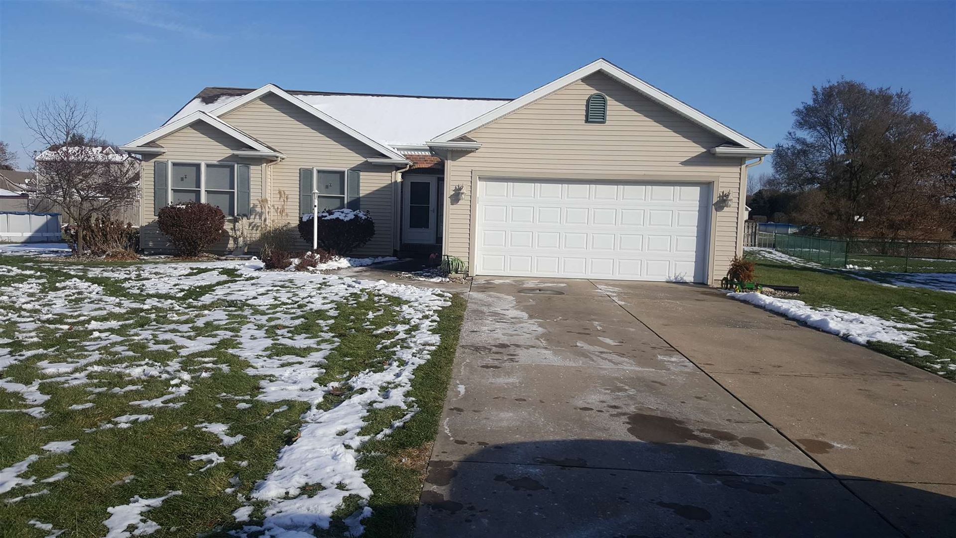 57834 Weathered Pine Court, Elkhart, IN 46517 - #: 201949465