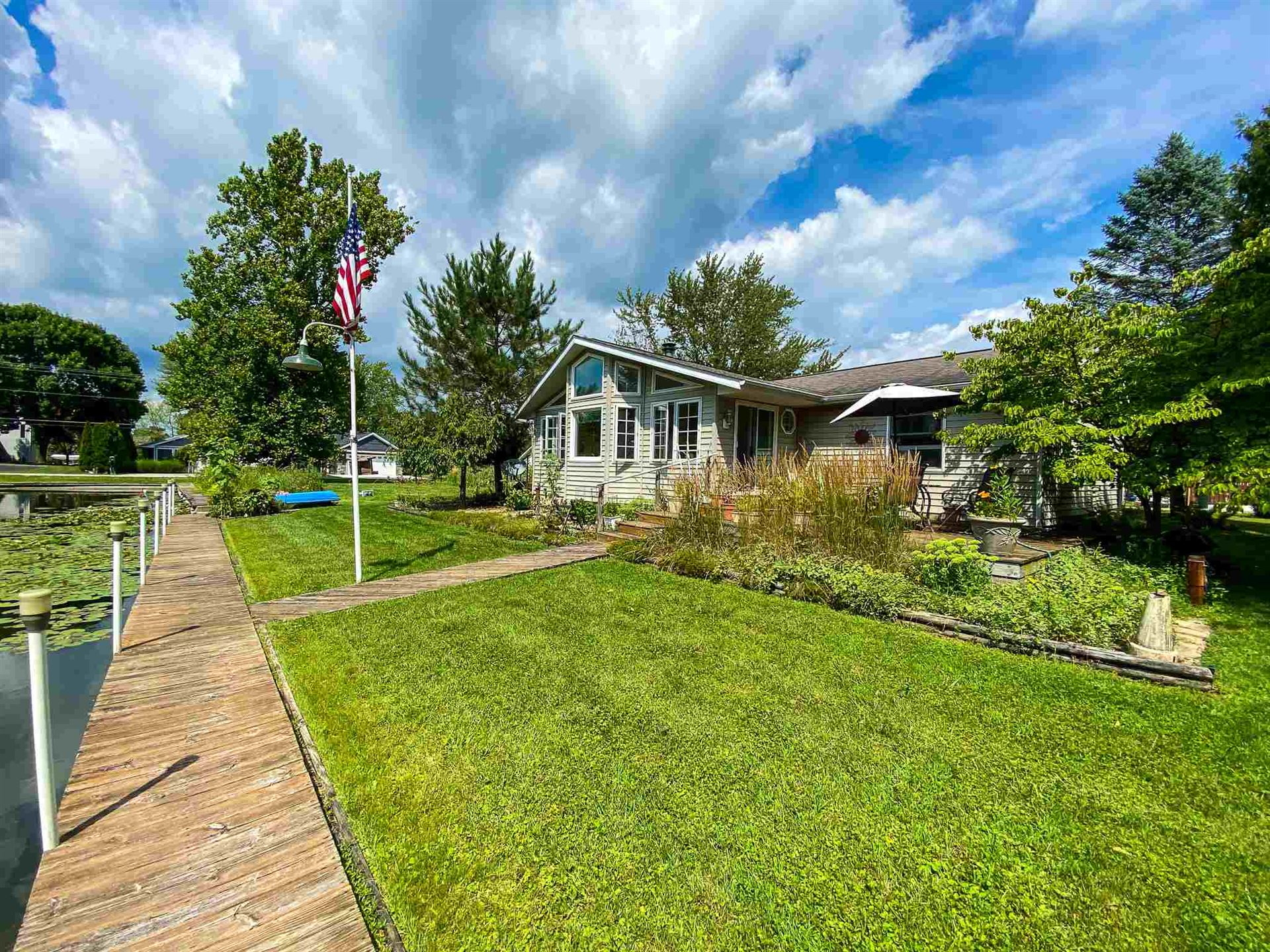 10367 N North Channel Drive, Syracuse, IN 46567 - #: 202032469