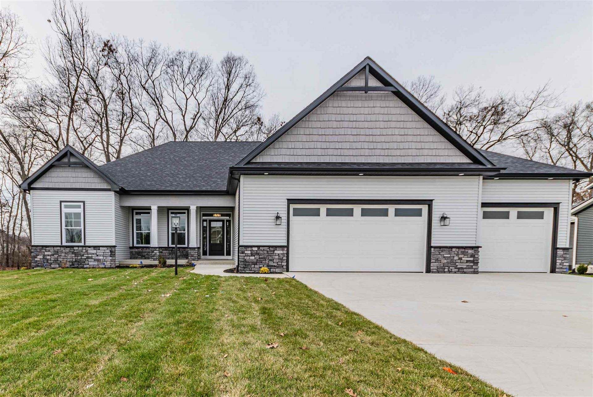 54837 Pierre Trails Drive, Osceola, IN 46561 - #: 202038472