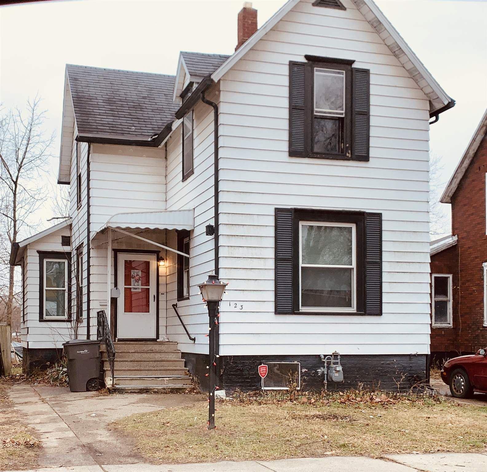 123 N 6th Street, Elkhart, IN 46516 - #: 202040477