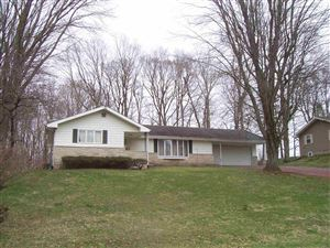 Photo of 1004 Timbercrest Drive, Logansport, IN 46947 (MLS # 201913489)