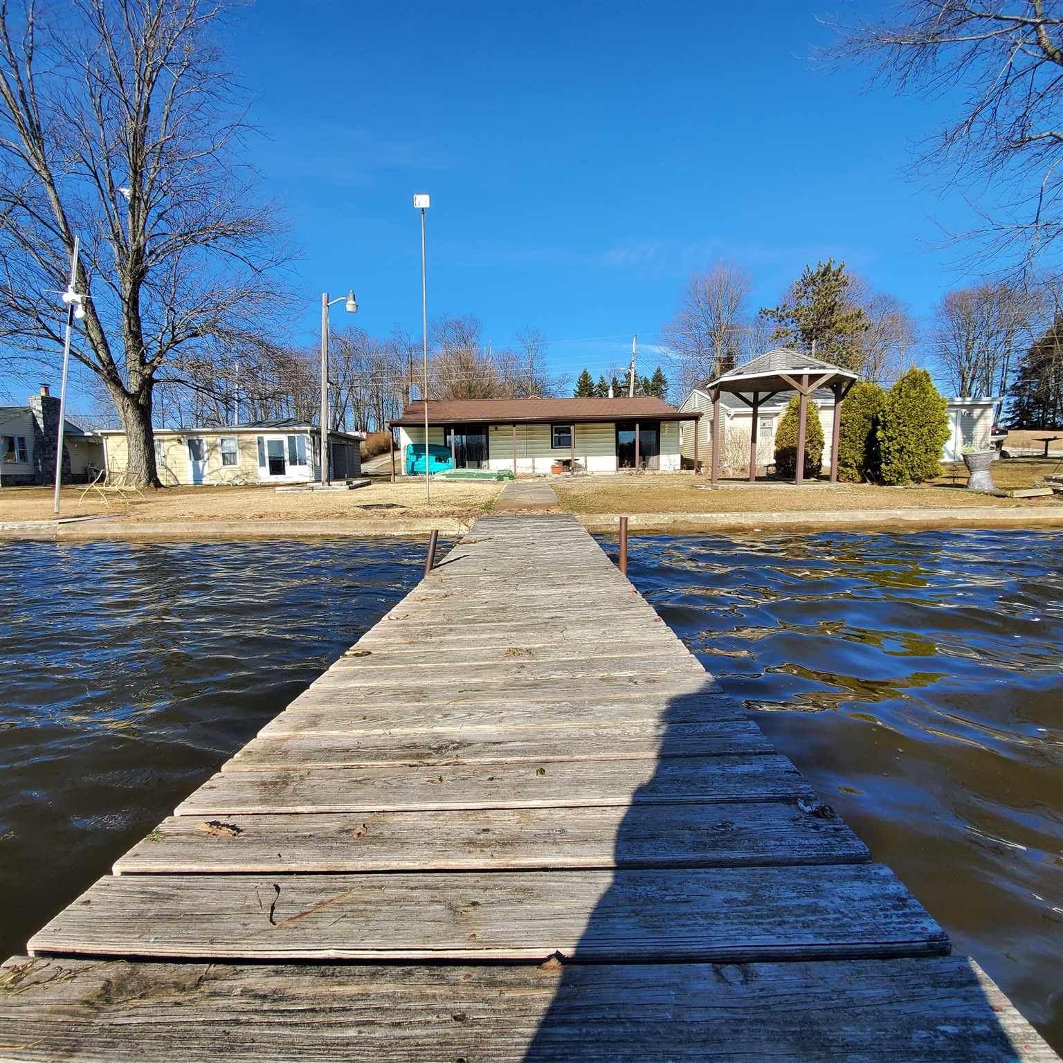 Photo of 5343 W Warren Avenue, Silver Lake, IN 46982 (MLS # 202008493)