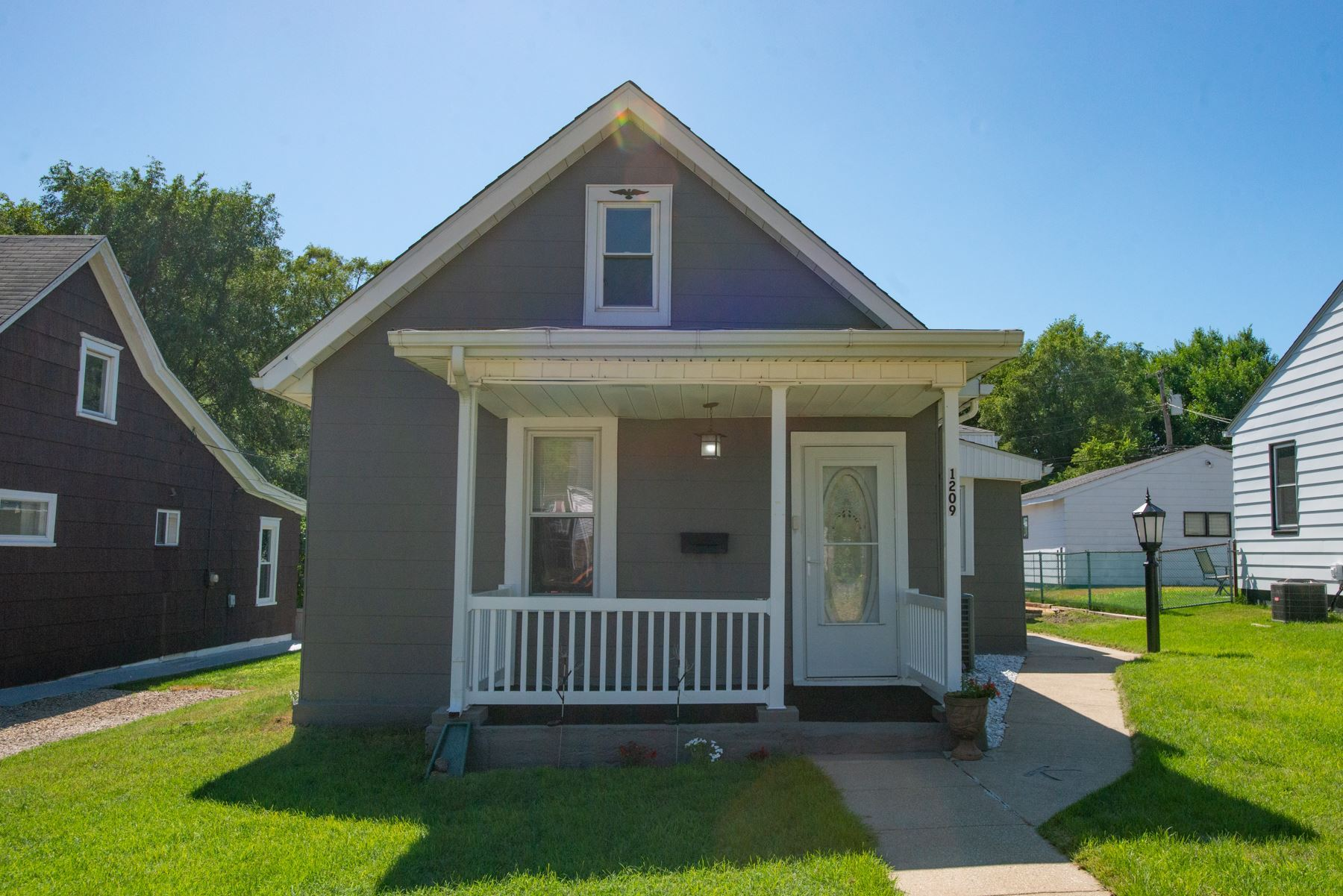1209 Clover Street, South Bend, IN 46615 - #: 202028510