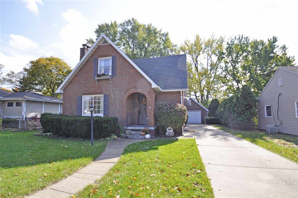 1826 Wilson Avenue, South Bend, IN 46617 - #: 201947511