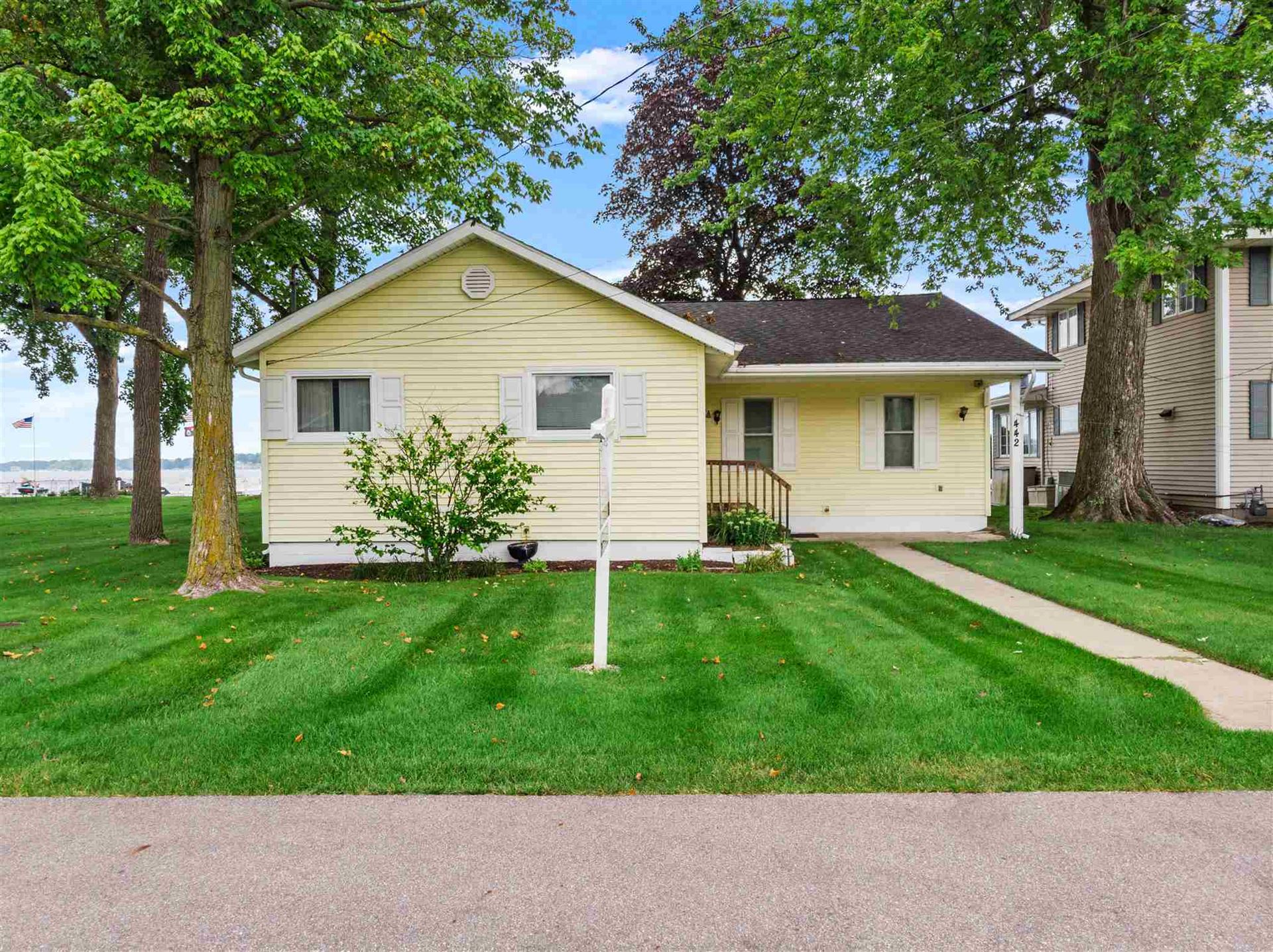 8272 E Highland View Drive, Syracuse, IN 46567 - MLS#: 202133512