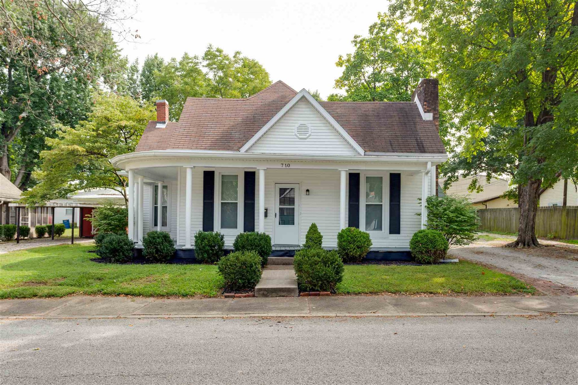 710 S 4th Street, Boonville, IN 47601 - #: 202037524