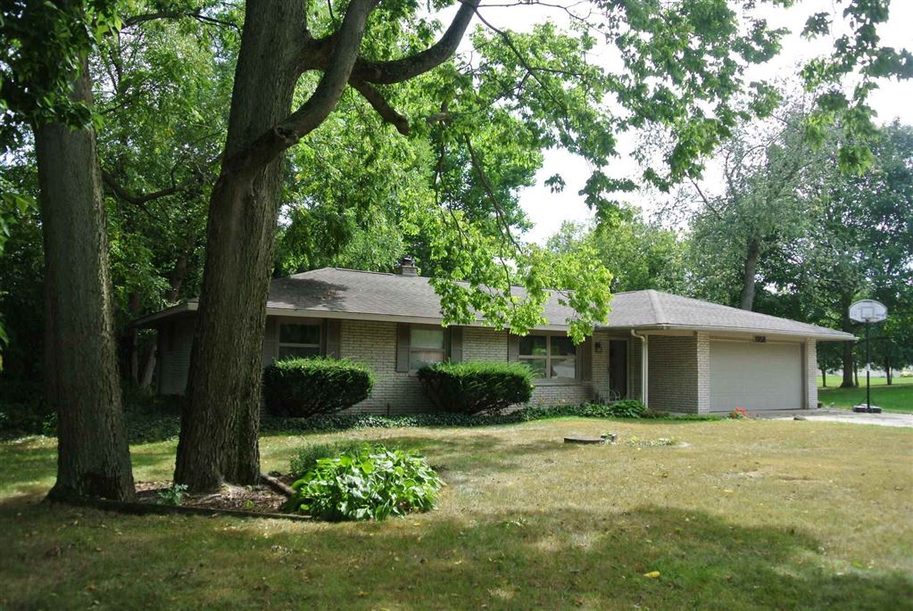 1958 Denslow Drive, South Bend, IN 46614 - #: 201940532