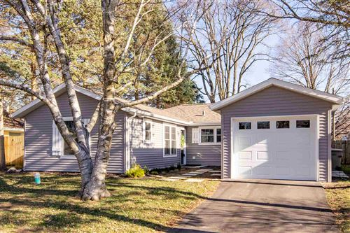 Photo of 1718 Churchill Drive, South Bend, IN 46617 (MLS # 202101543)