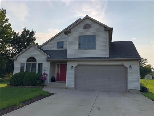 Photo of 1928 Petty Drive, Rochester, IN 46975 (MLS # 202130546)