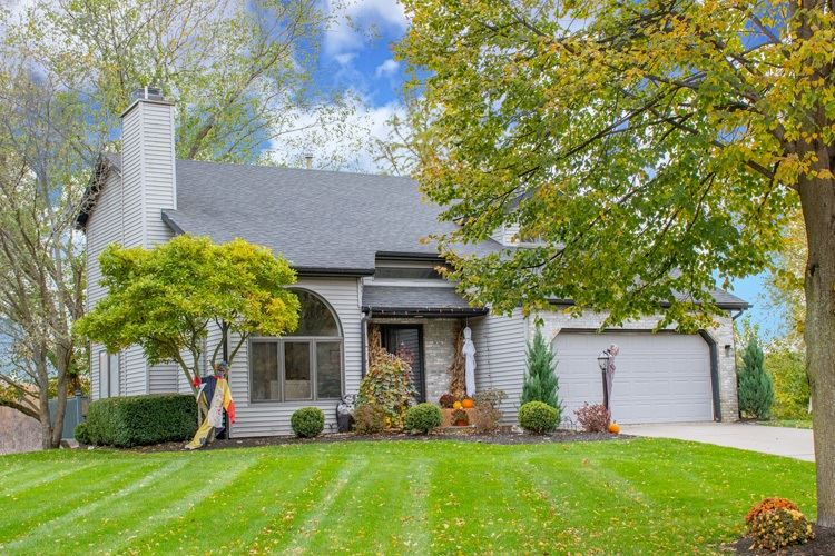 25672 Shorewood Court, South Bend, IN 46619 - #: 202043574