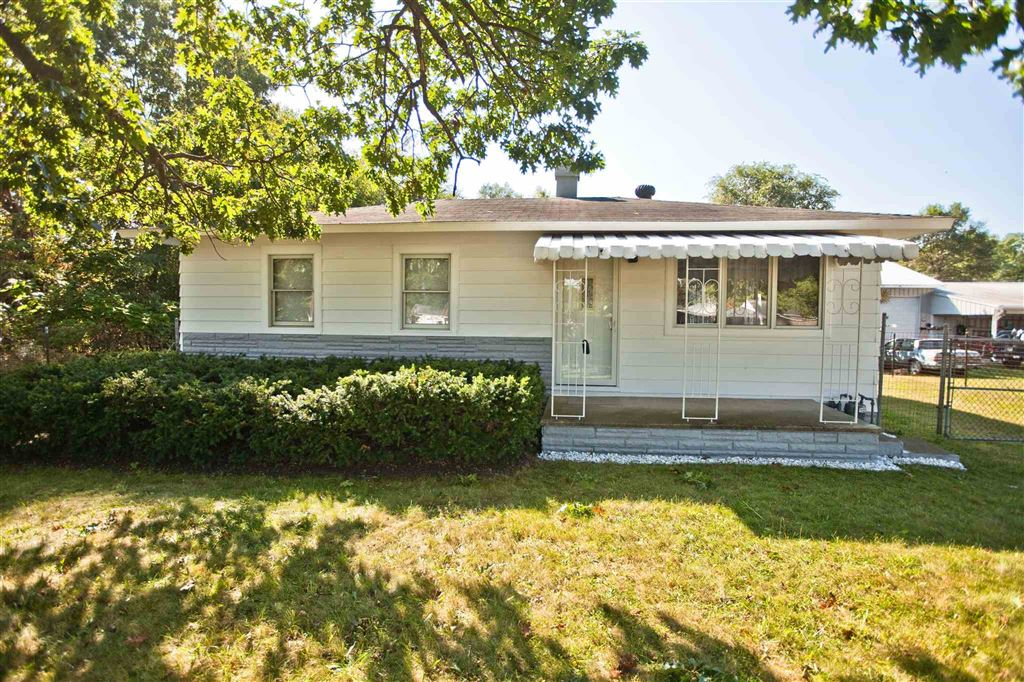 55385 Woodland Avenue, South Bend, IN 46628 - #: 201940583