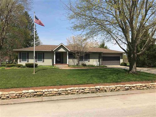 Photo of 916 W 8th Street, Rochester, IN 46975 (MLS # 202114600)