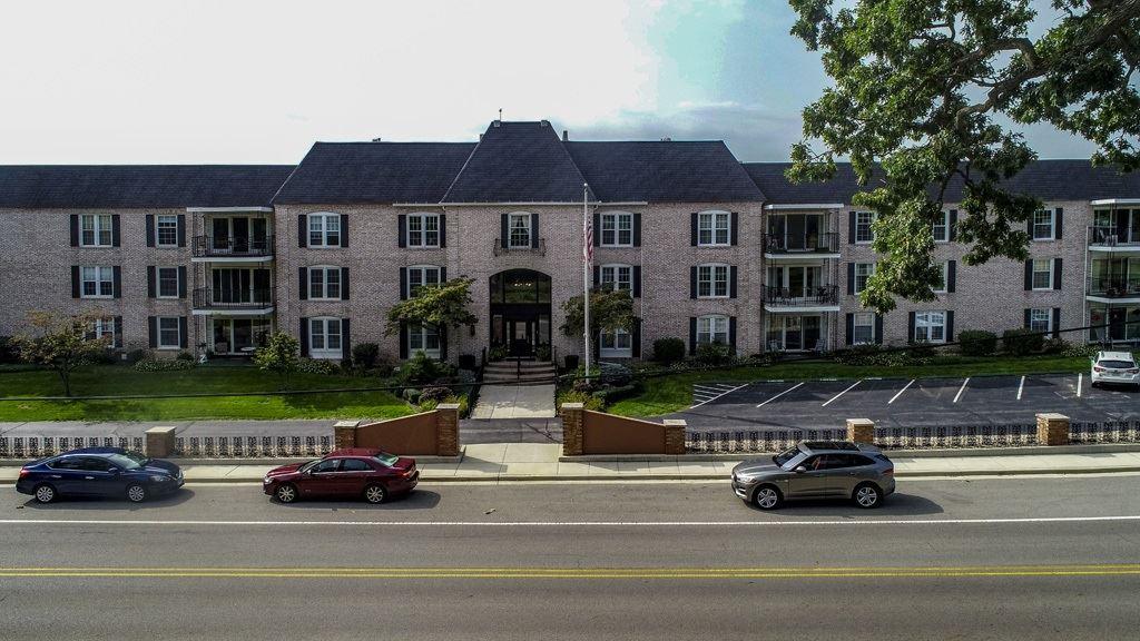 1077 Greenleaf Boulevard #114, Elkhart, IN 46514 - #: 202037614
