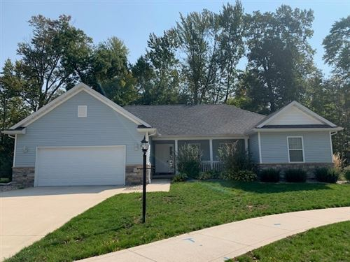 Photo of 215 Beechnut Court, Warsaw, IN 46582 (MLS # 202041616)
