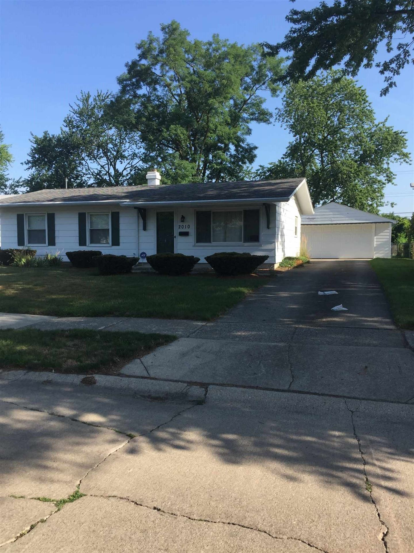 2010 maplewood Road, Fort Wayne, IN 46819 - #: 202029646