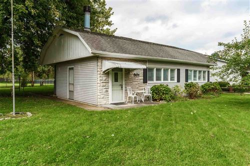 Photo of 501 S Harkless Drive, Syracuse, IN 46567 (MLS # 202143649)