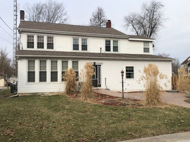 Photo of 305 W Main Street, North Manchester, IN 46962 (MLS # 202002661)