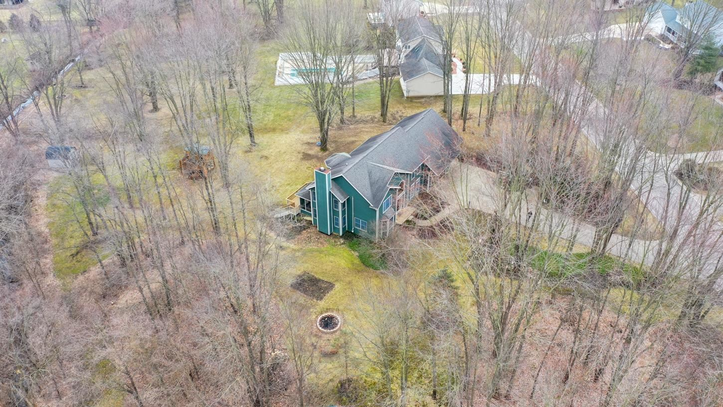 Photo of 2448 S Paxton Drive, Warsaw, IN 46580 (MLS # 202007661)