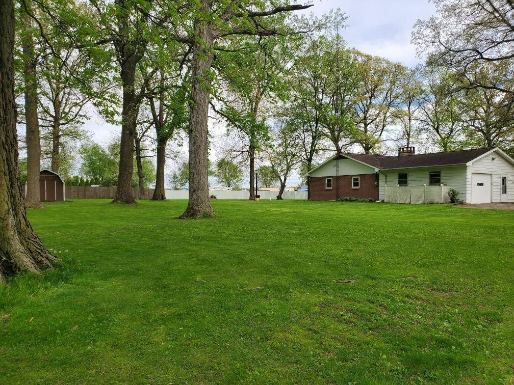 Photo of 3586 N Riverlawn Dr, Warsaw, IN 46582 (MLS # 202002667)