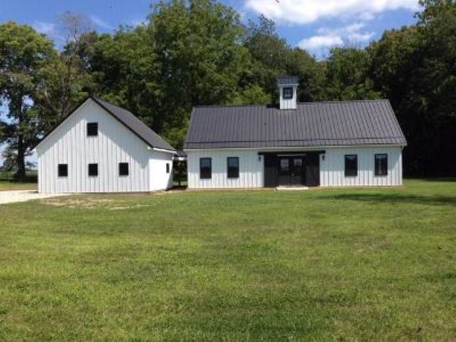 Photo of 1506 S State Road 19 Road, Bourbon, IN 46511 (MLS # 202017668)