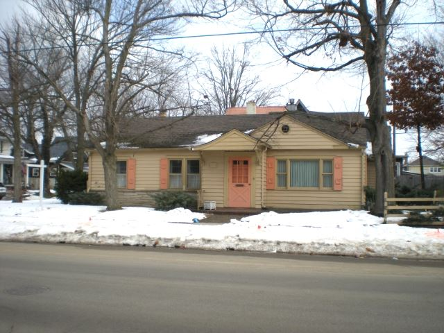 230 N Michigan Street, Elkhart, IN 46514 - #: 202105685