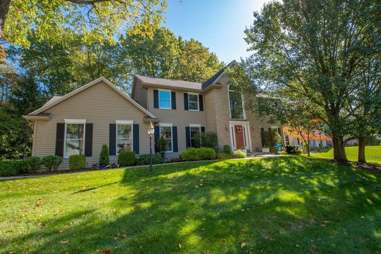 52630 Willow Bend Drive, South Bend, IN 46530 - #: 202040701