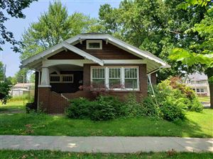 Photo of 206 E MAIN ST, Syracuse, IN 46567 (MLS # 201931705)