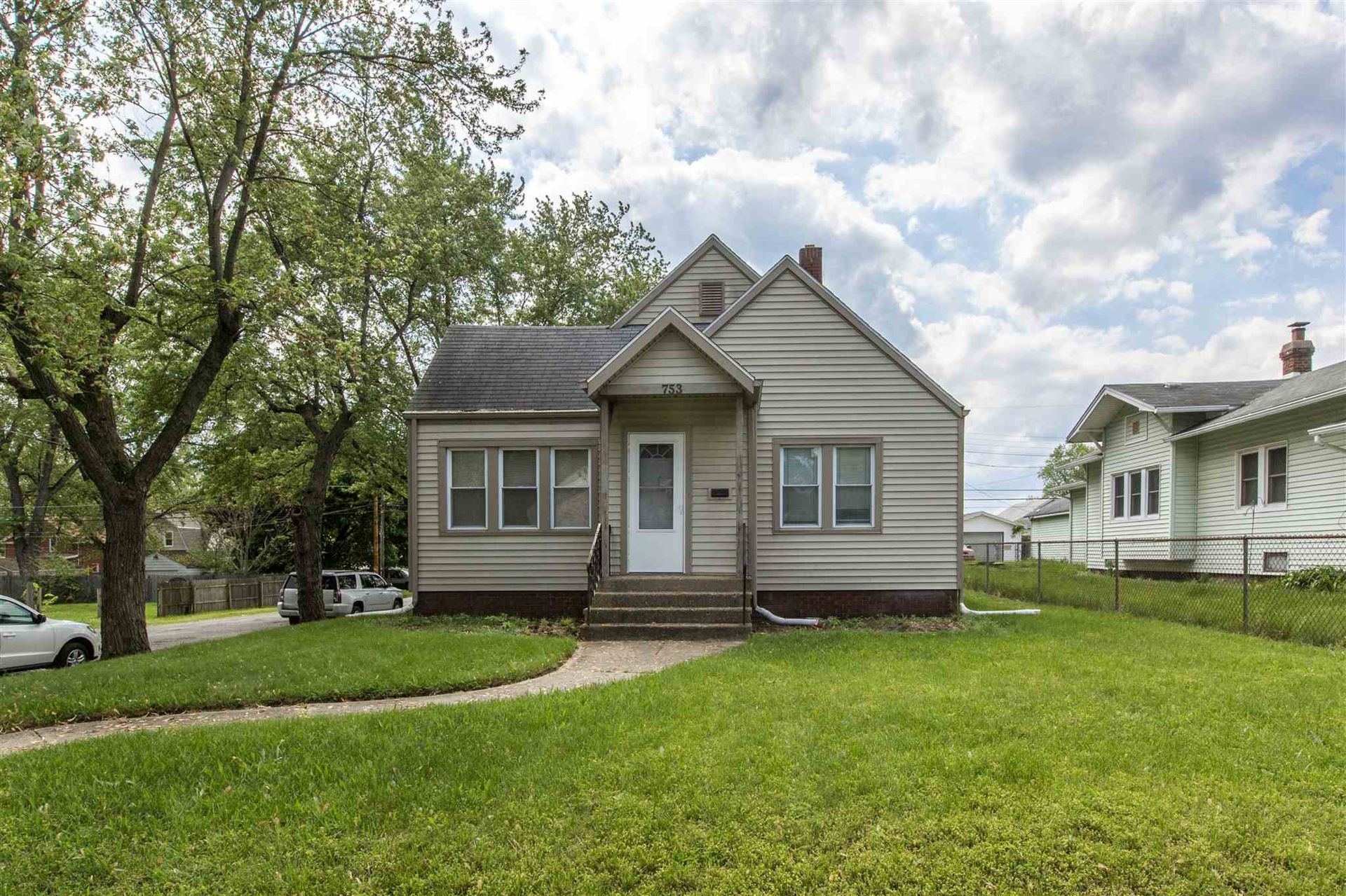 753 S Logan Street, South Bend, IN 46615 - #: 202019720