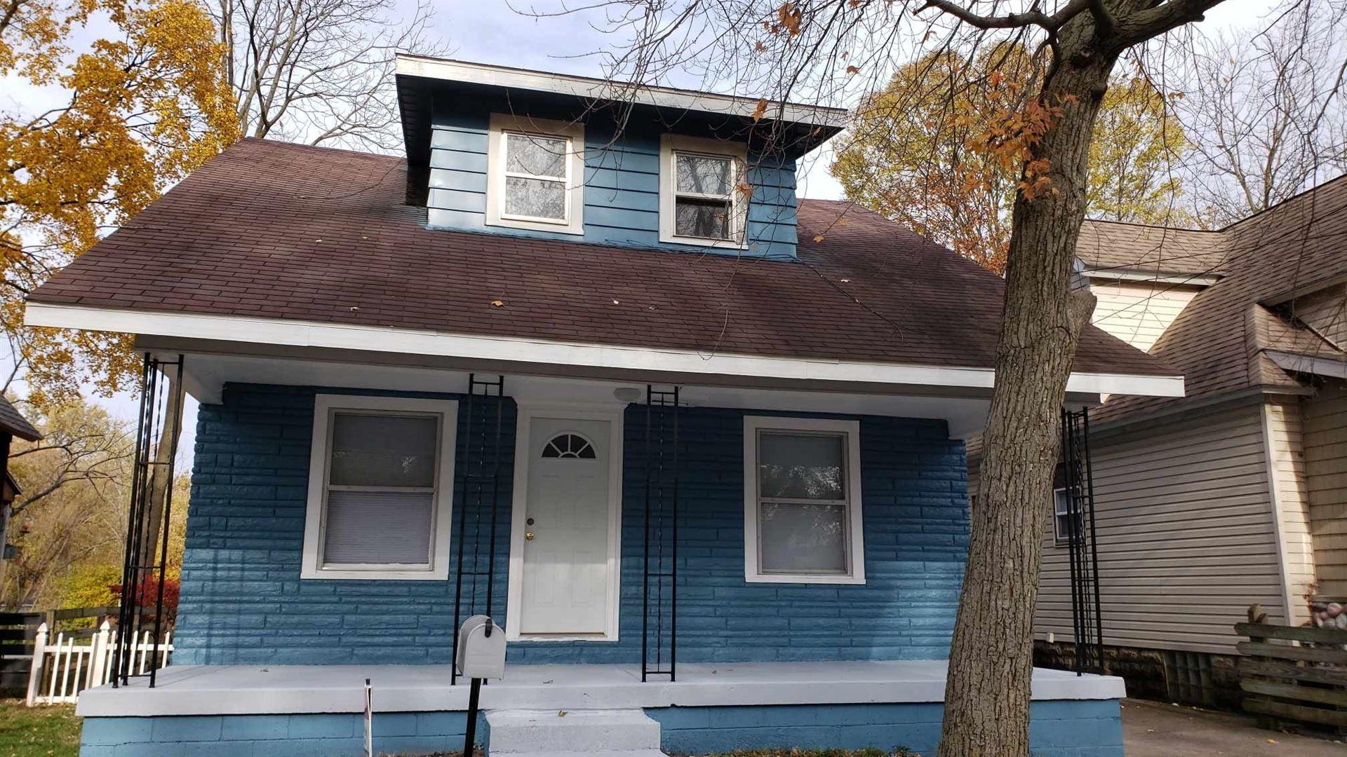 304 S Shore Drive, Elkhart, IN 46514 - #: 202044728