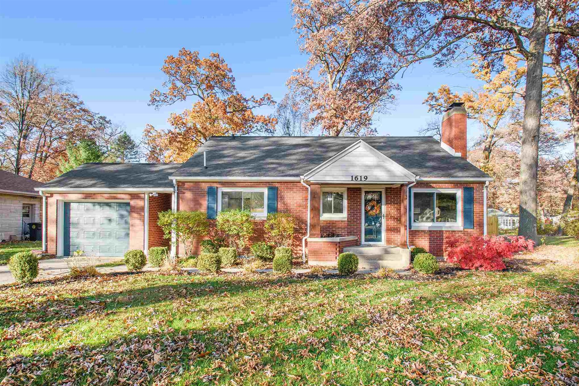 1619 Corby Boulevard, South Bend, IN 46617 - #: 202044729