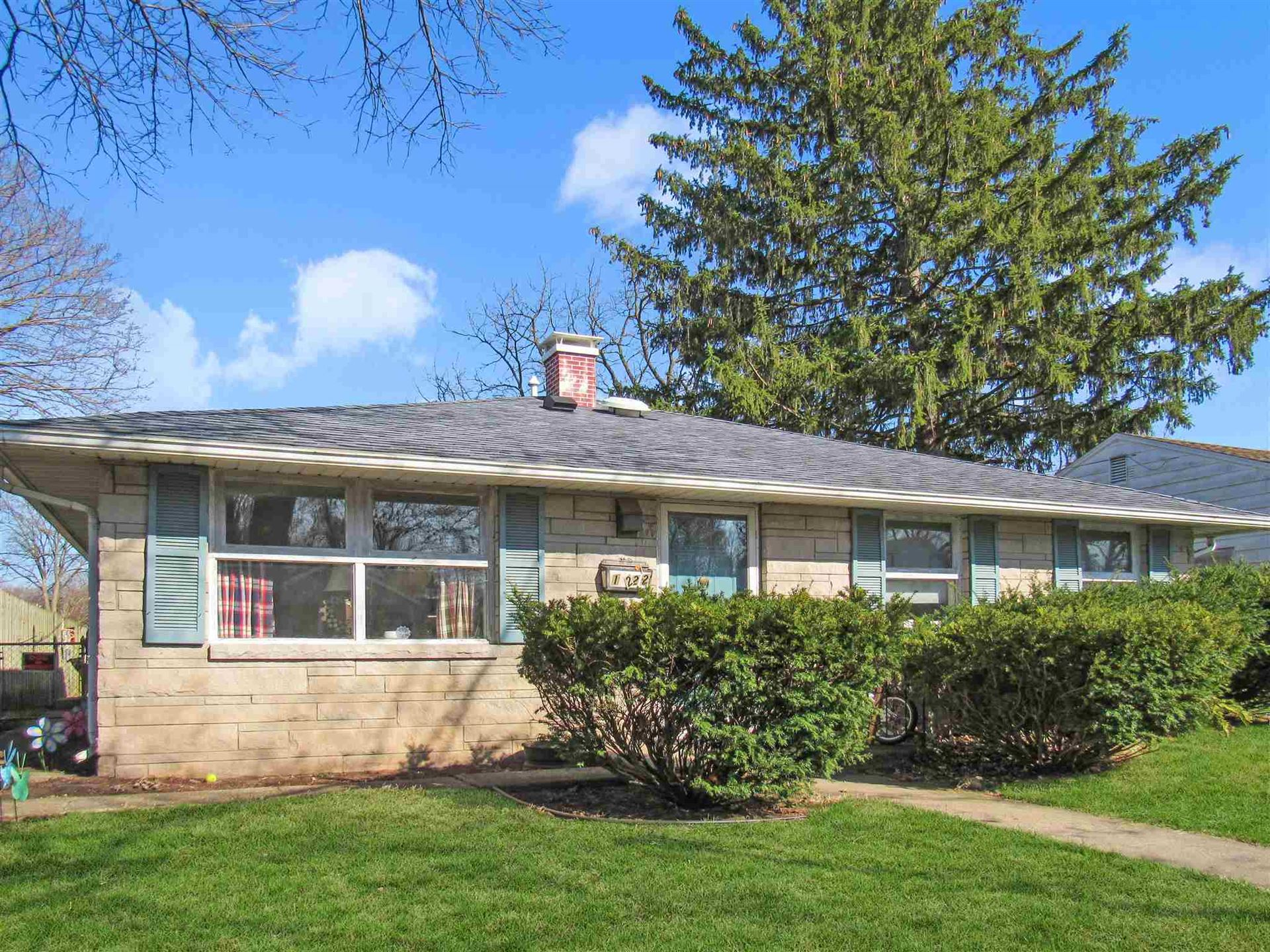 1222 S 32nd Street, South Bend, IN 46615 - #: 202034743