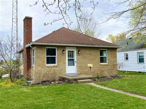 Photo of 530 W 4th Street, Rochester, IN 46975 (MLS # 202111747)