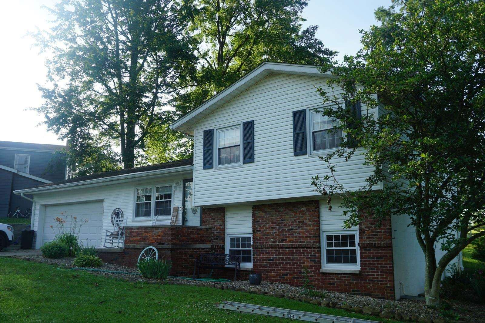 404 FOREST VIEW DR, Bedford, IN 47421 - #: 202105753