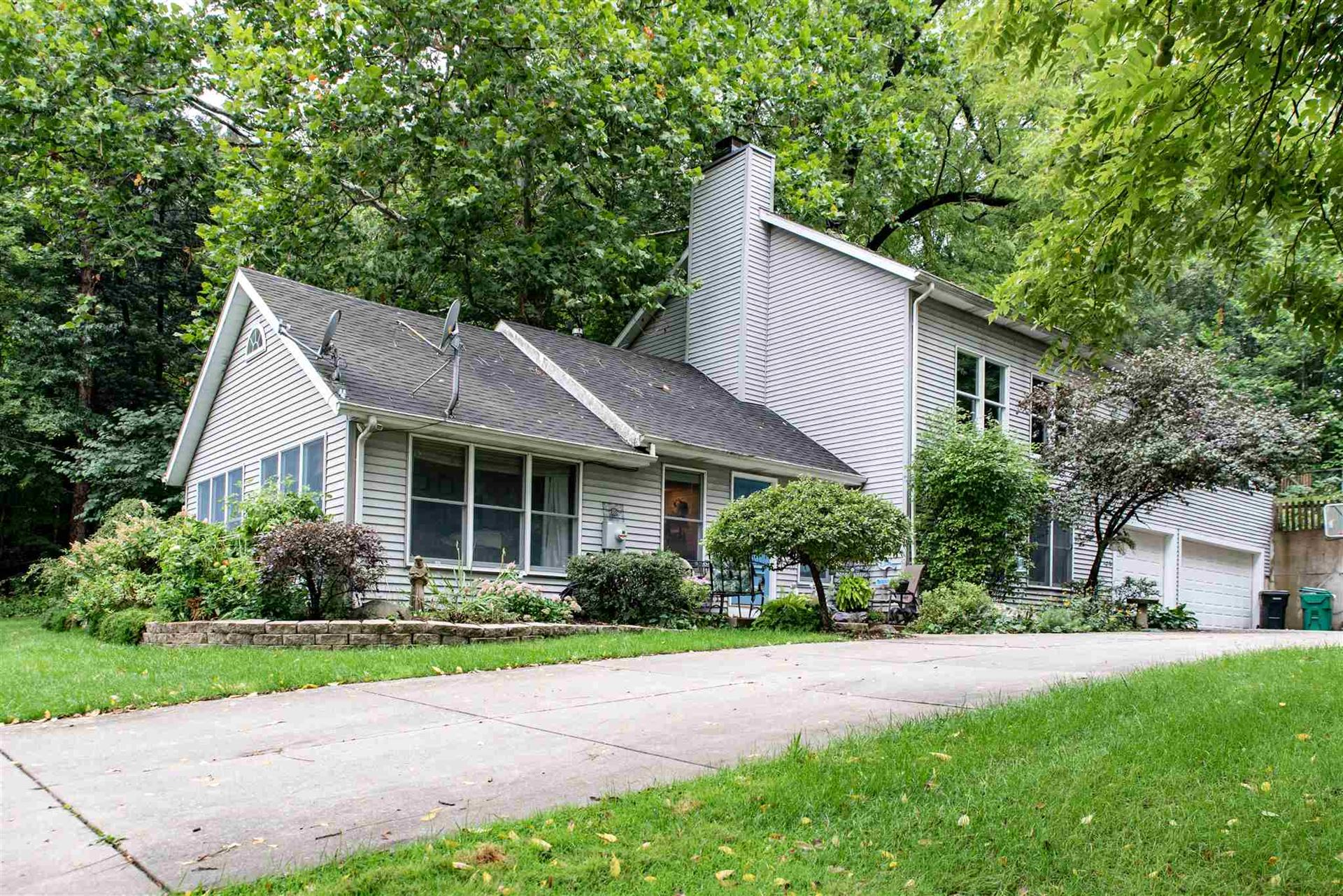 22155 Kern Road, South Bend, IN 46614 - #: 202036756
